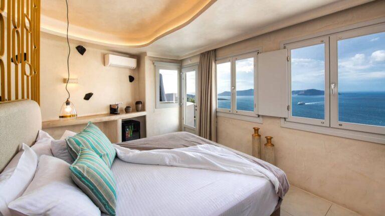 03c266d0ddd8e42c804e35c72a10ea27.Superior-Athina-suites-Boutique-hotel-Santorini-2