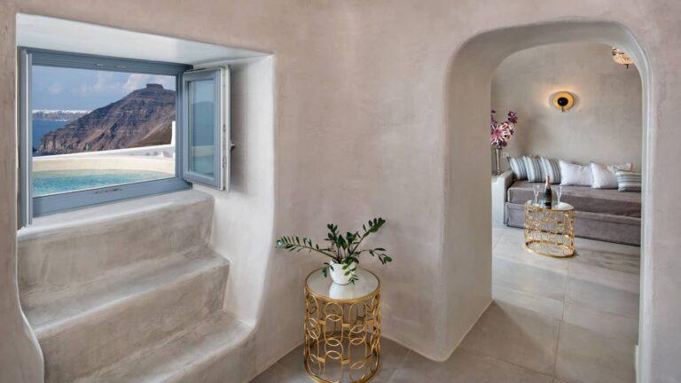e810bd8aaae27330f57f159e4bb14dcc.Cave-Athina-suites-Boutique-hotel-Santorini-10